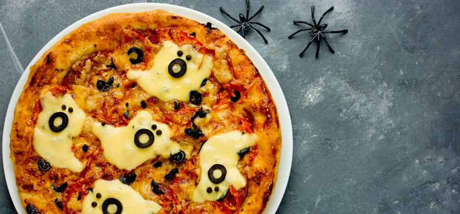 Pizza for halloween - ghost shapes