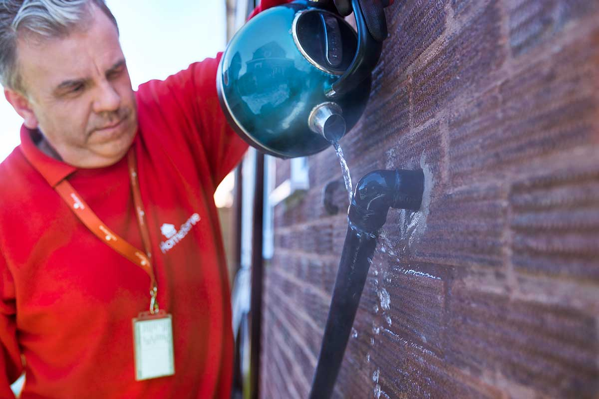 How to thaw a condensate pipe