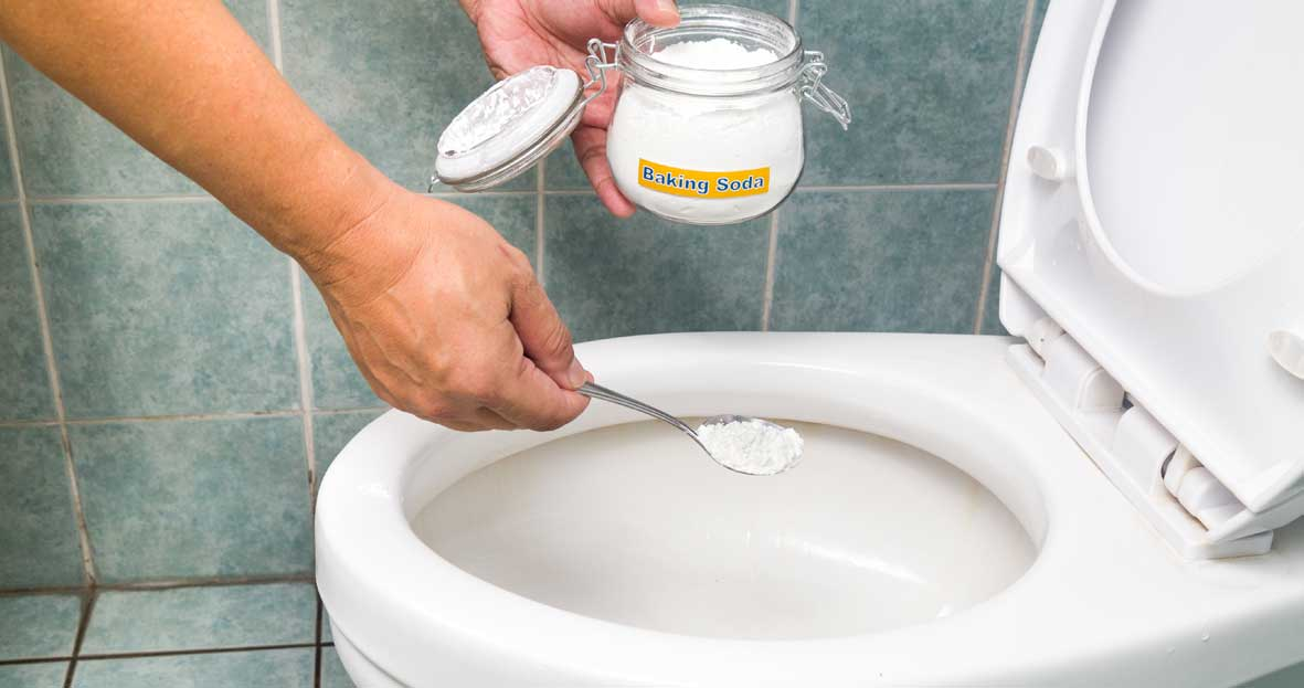 cleaning a toilet with baking soda