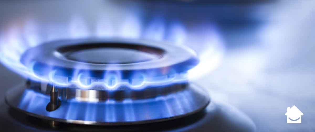What to do if you smell gas - gas hob burning blue flame